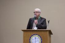 Heartland President of the Board Merlin VanWalleghen gives closing remarks.