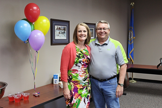 Mary Bjerke and Heartland Customer Relations Manager Steve Moses